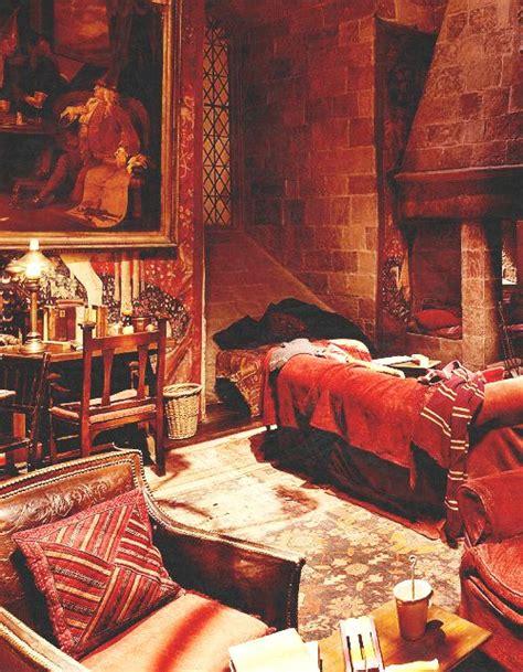 gryffindor room gryffindor common room mischief managed