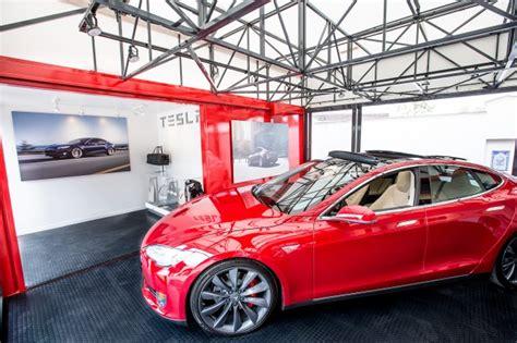 Tesla Motors Location California Tesla Motors Popup Store To Display Electric Cars Santa