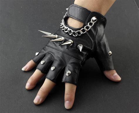 2017 Mens Rivet Spike Punk Rocker Driving Motorcycle Biker Leather Fingerless Gloves From Rocker