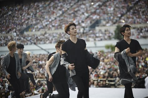 exo live smtown now update exo smtown live world tour iv in