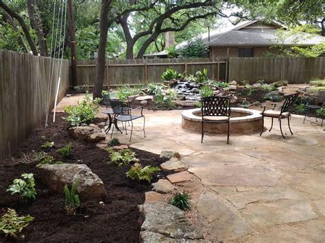 Decomposed granite patio, Decomposed granite and Oak tree