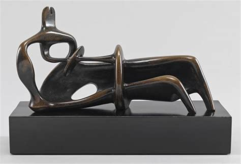 henry moore reclining figure 1939 reclining figure 1939 henry moore wikiart org