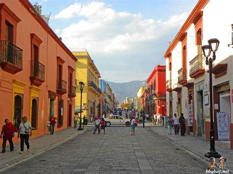 things to do and eat in oaxaca mexico and the poverty