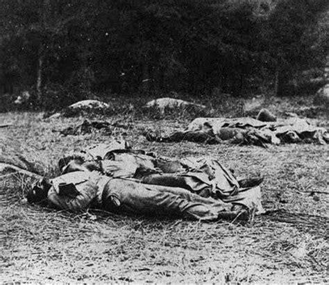 mathew brady civil wars gettysburg | dead soldiers at