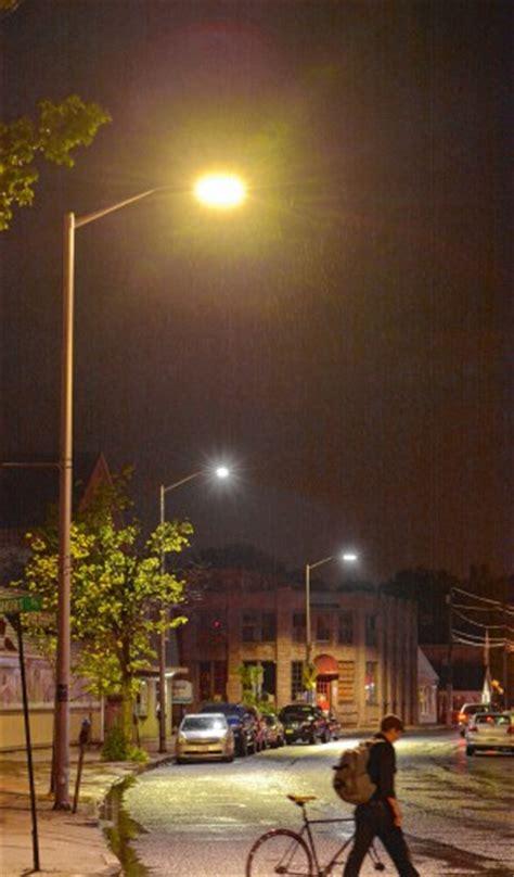 led lights too bright petitioners say northton led streetlights too bright