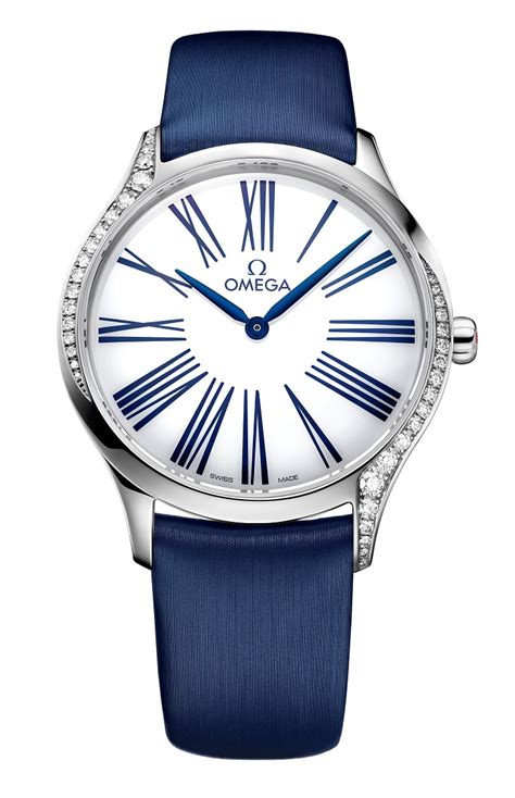 kaia gerber omega ad omega launches the tr 233 sor ladies watch with model kaia gerber
