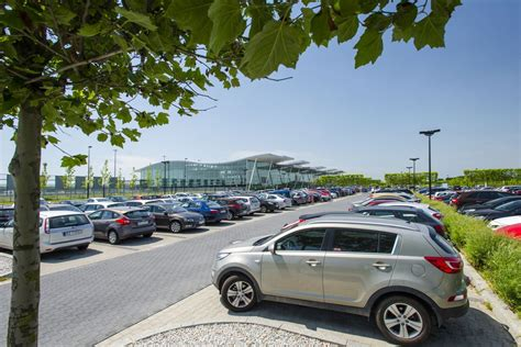 Car Parking Southton Port by Car Park Port Lotniczy Wroc蛯aw