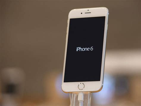 iphone 6 bending u2 s songs of innocence ios 8 glitches and 20bn wiped its stock