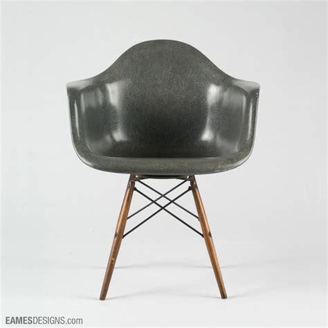 chaise eames daw