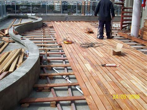 deck madera foto deck de madera de placares vestidores 8255