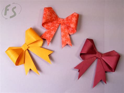 How To Make Bows Out Of Paper - paper ribbons crafts