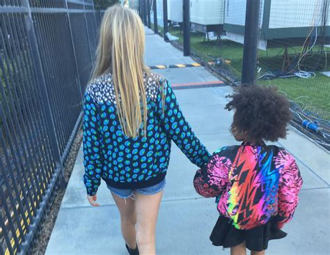 apple martin blue ivy blue ivy carter and apple martin hold hands before parents