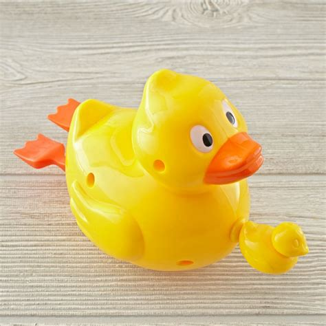 Bathtub Toys For by Bath Toys For And Toddlers The Land Of Nod