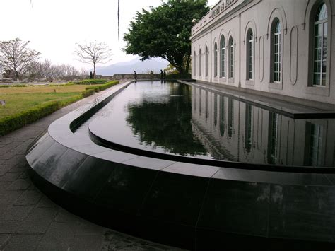 file reflecting pool by the main building of fortaleza do