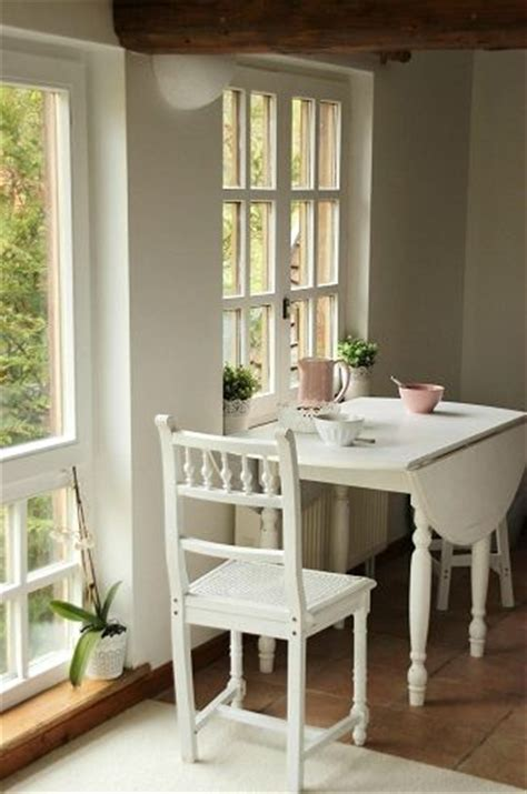 small kitchen table ideas 25 best ideas about small kitchen tables on