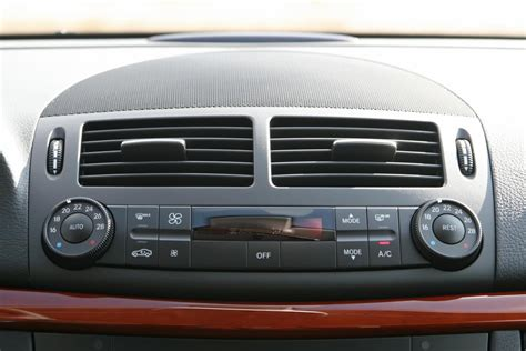 Air Conditioning Car by Why Is My Car Air Conditioner Blowing Air