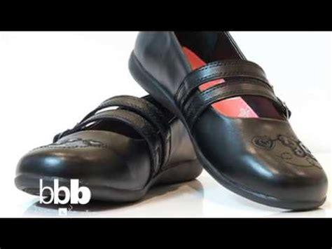 imagenes de zapatos escolares de payless ya tienes tus bmf calzado escolar youtube