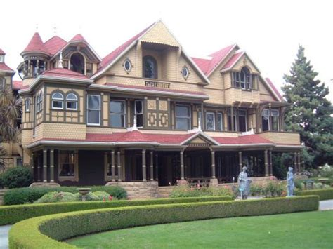 exploring the winchester mystery house