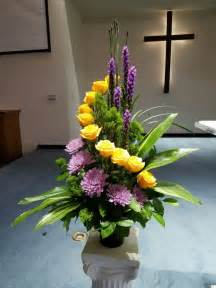 Tall Lily Vase Arrangements 1000 Ideas About Funeral Arrangements On Pinterest