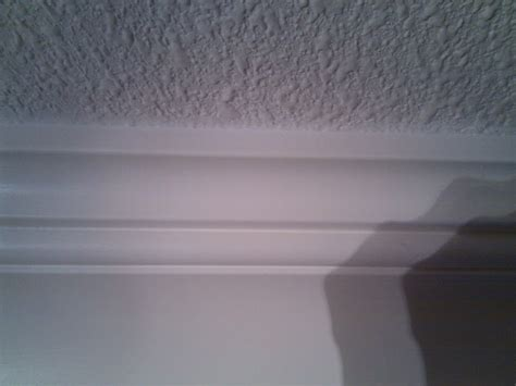 Crown Ceiling by Crown Molding On Popcorn Ceiling Carpentry Diy