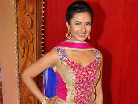 yeh hai mohabbatein divyanka tripathi star parivaar awards 2014 red carpet photos aamir khan