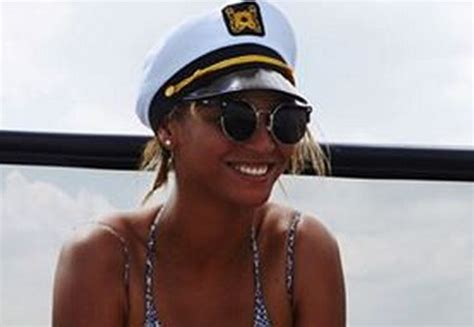 Responds To Those Pictures by Definitely Not Beyonce Responds To Those Recent