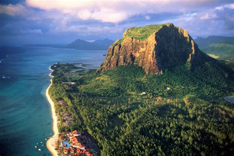 mauritius travel info and travel guide tourist facts and travel details for mauritius