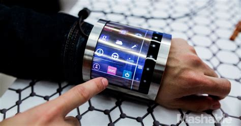 We tried out a flexible LCD bracelet, and it was the geekiest thing ever