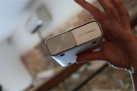 Proyektor Mini Asus asus zenbeam go e1z proyektor mini sekaligus powerbank