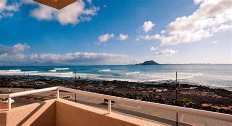 apartamentos dunas club accommodations  surfing  fuerteventura