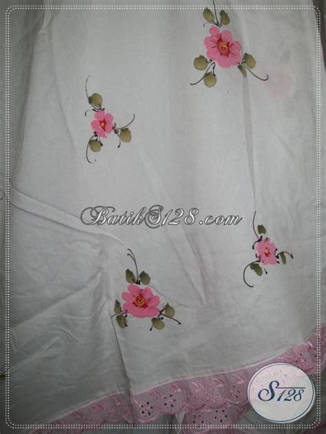 Mukena Putih Pink mukena lukis bunga timbul tabur warna dasar putih warna