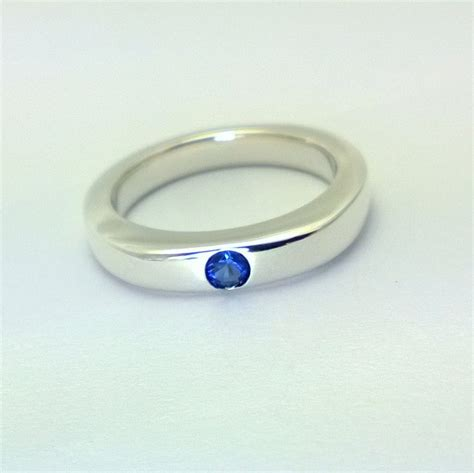 simple blue sapphire ring in sterling silver blue