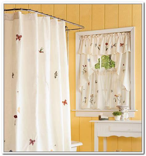 beautiful bathroom curtains  small windows  small