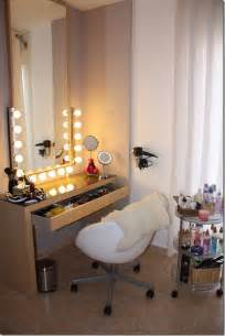 Lighted Makeup Vanity Table I Am Elizabeth Martz Fashion Lifestyle
