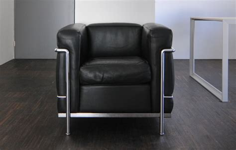 poltrona lc2 poltrona lc2 di cassina classico contemporaneo divani it