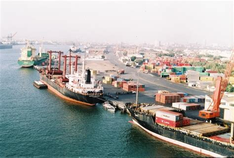 kict vessel schedule na committee to take up port qasim issues with authorities