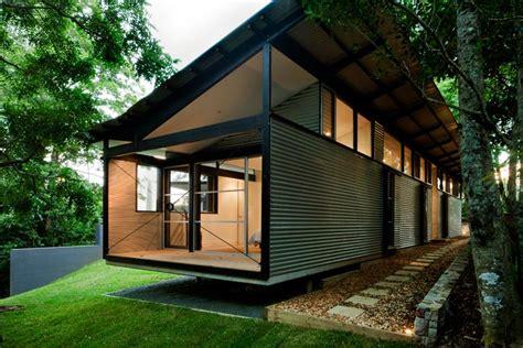 house  foxground nsw  clad  walling