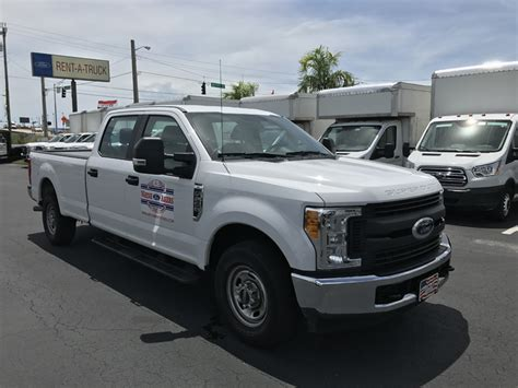 crew cab  towing package akers truck rental