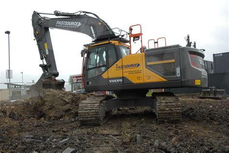 fastsource adds  volvo excavator   plant fleet cea construction equipment association