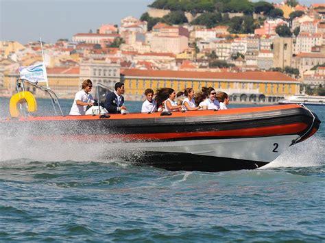 speedboot lissabon tours 224 la voile croisi 232 re lisbonne eau inside lisbon