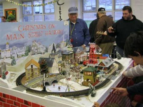 holiday craft fair old fashioned christmas train show