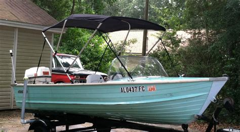 starcraft boats history starcraft aluminum lapstrake close bow runabout 1967 for
