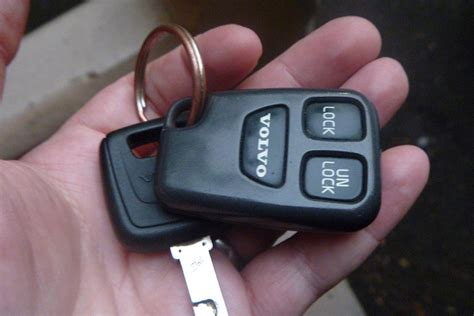 Car Alarm Types by 3 Common Types Of Car Alarm Systems Automotive Locksmith