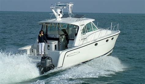 bay boats with twin outboards 17 best images about boats on pinterest motor yacht