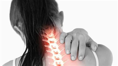 dolore al collo e alla testa nevralgia sintomi testa e collo dolori nervi sintomi