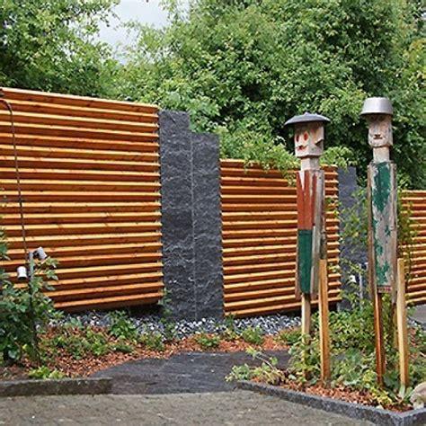 Sichtschutz Im Garten Ideen 1457 by Garten Sichtschutz Holz Garten Sichtschutz Holz Kunstrasen