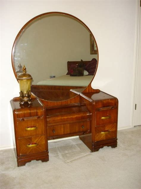 want so bad art deco 1930 s waterfall bedroom set my dream is to have and have room for an art deco
