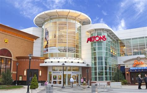 palisades mall everything you ll ever need to know for an epic top 10 largest shopping malls on the east coast of the us