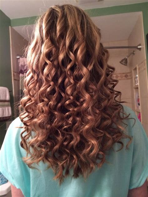 25  best ideas about Tight spiral curls on Pinterest