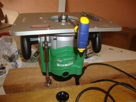 Router Hitachi M12ve With Musclechuck And Router Raizer